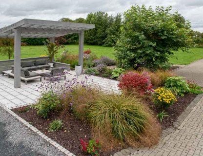 Maddie Dineen Garden Design Welcome Slide 1